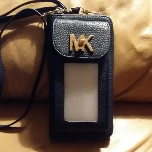 124e83e33 Michael Kors Cell Phone Carrier Crossbody Holder. M_5baea99c1b329479d98b543a